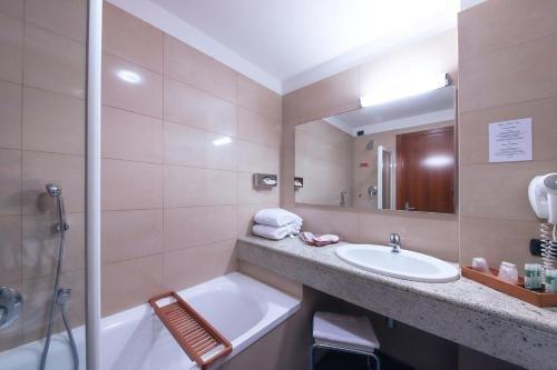 Monica Hotel Fiera - фото 11