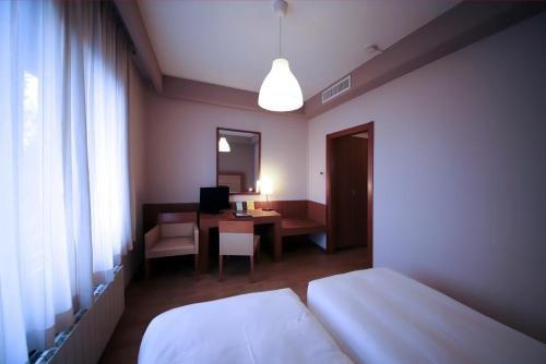 Monica Hotel Fiera - фото 2
