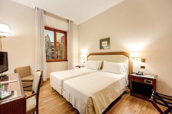 Hotel Bristol - фото 1