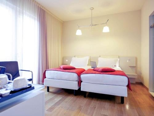 Hotel Mercure Milano Solari - фото 3
