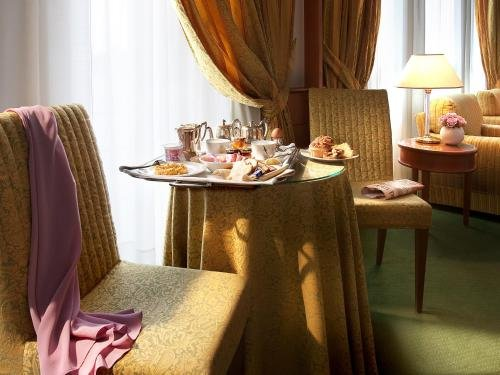 Hotel Cavour - фото 1