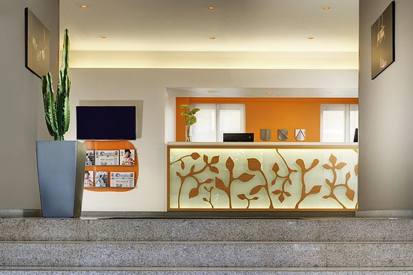 UNA Hotel Mediterraneo - фото 15