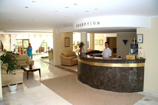 Oasis Park Hotel - фото 13