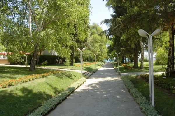 Oasis Park Hotel - фото 22