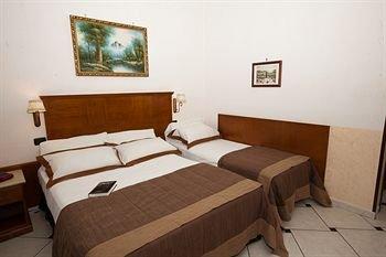 Hotel Garibaldi - фото 1