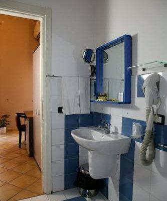 Caravaggio Hotel - фото 11