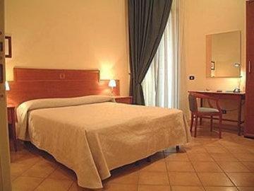 Caravaggio Hotel - фото 2