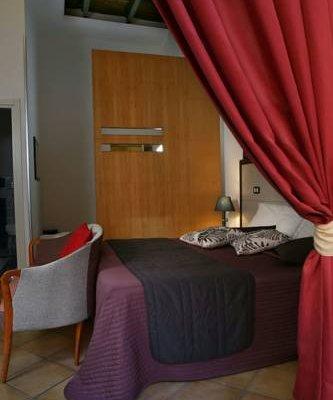 Caravaggio Hotel - фото 4