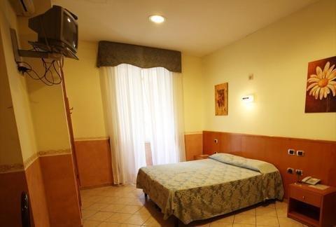 Hotel Zara Napoli - фото 1