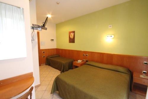 Hotel Zara Napoli - фото 2
