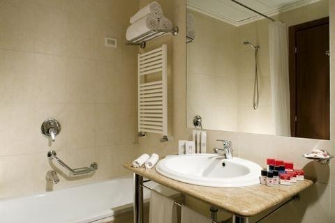 Отель Ramada Naples - фото 9
