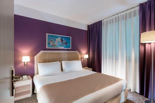 Holiday Inn Naples - фото 1