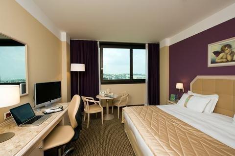 Holiday Inn Naples - фото 2