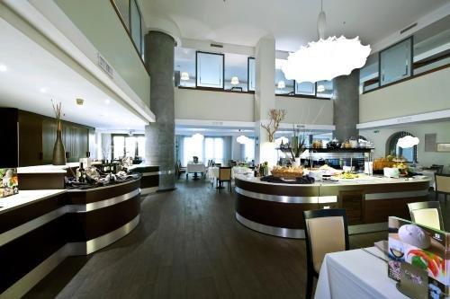 Holiday Inn Naples - фото 6