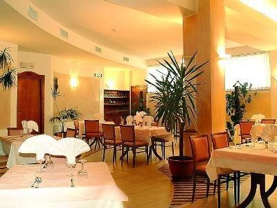 Euro Hotel - фото 16