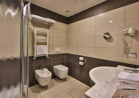 Best Western Premier Hotel Galileo Padova - фото 9
