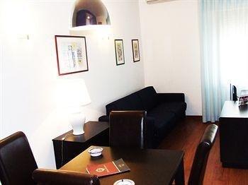Marbela Apartments & Suites - фото 6