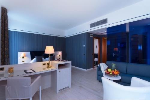 CDH Hotel Parma & Congressi - фото 10