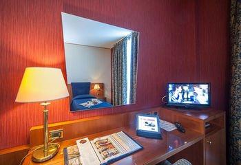 CDH Hotel Parma & Congressi - фото 3
