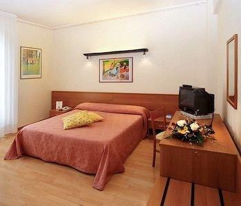 Hotel Tirrenus Perugia - фото 7