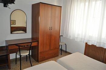 Hotel Cecile - фото 4