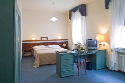 Hotel Centrale Byron - фото 4