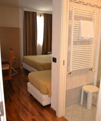 Tricolore Hotel - фото 3