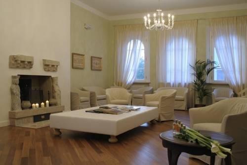 Hotel Resort Matilde di Canossa - фото 1
