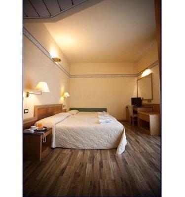 Hotel Marina Bay - фото 1