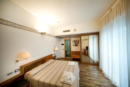 Hotel Marina Bay - фото 2