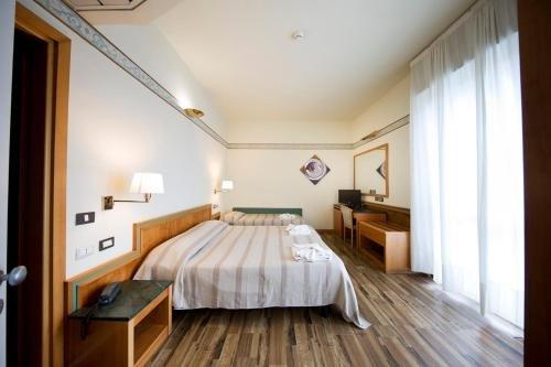Hotel Marina Bay - фото 4