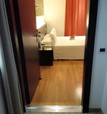 Card International Hotel - фото 16