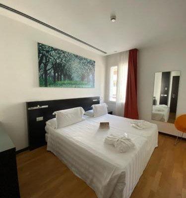 Card International Hotel - фото 2