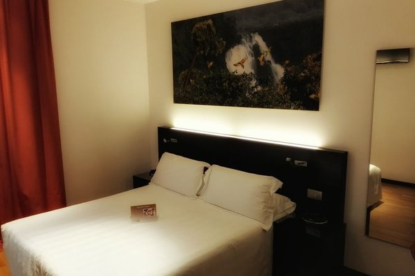 Card International Hotel - фото 6