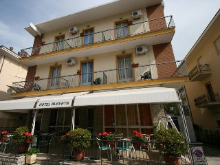 Hotel Villa Alberta Rimini - фото 23
