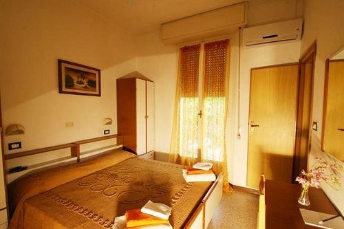 Hotel Villa Alberta Rimini - фото 4