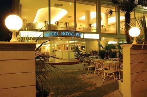 Hotel Royal Plaza - фото 11
