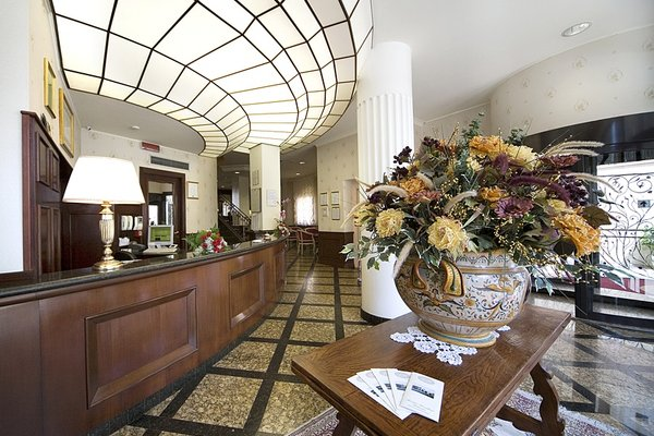 Hotel President - фото 5
