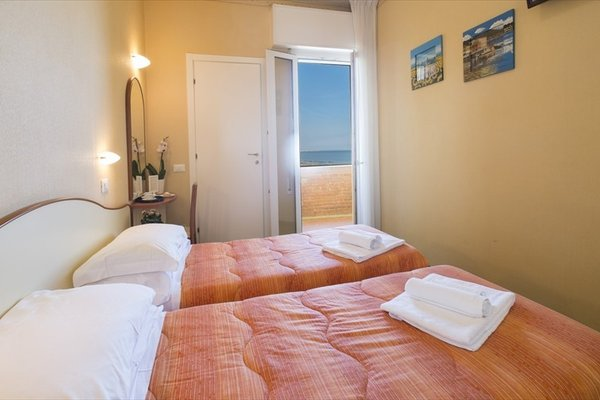 Hotel Crosal - фото 12