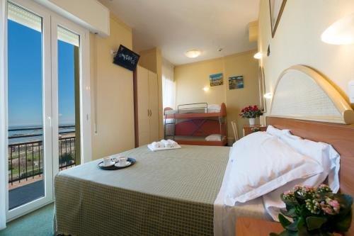 Hotel Crosal - фото 2
