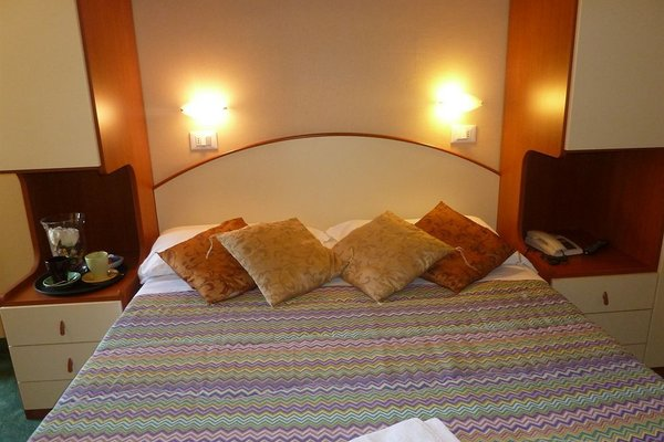 Hotel Crosal - фото 3