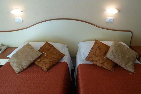 Hotel Crosal - фото 7