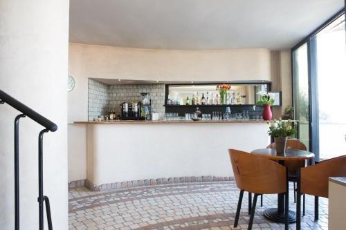 Amba Hotel - фото 10