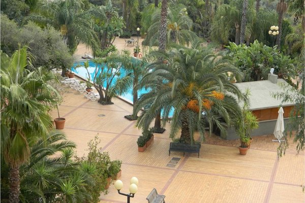 Garden Hotel - фото 17