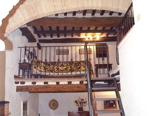 Castello di Monteliscai - фото 9