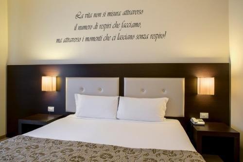 Hotel Executive - фото 1