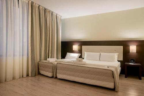Hotel Executive - фото 2