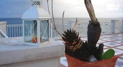 Hotel Riviera - фото 0