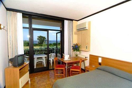 Hotel Residence Holiday - фото 2