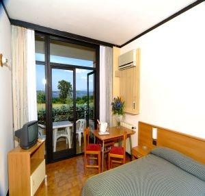 Hotel Porto Azzurro - фото 2